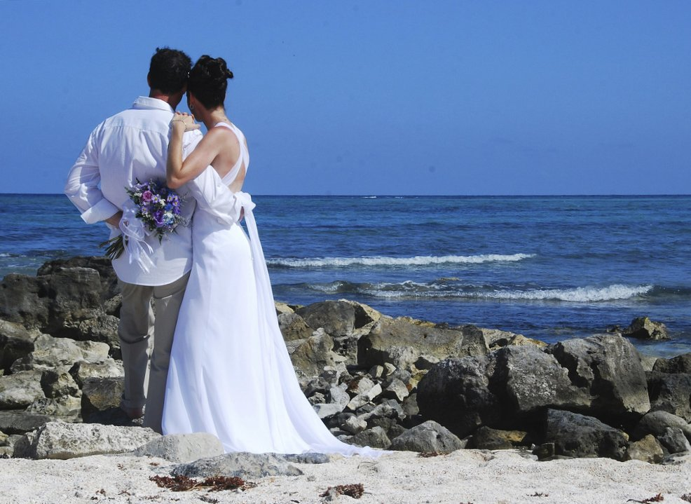 beach-wedding-venues-by-Andrea-Peverali