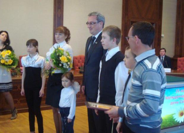 в 2012 году  многодетная семья Панюковых была  (1)