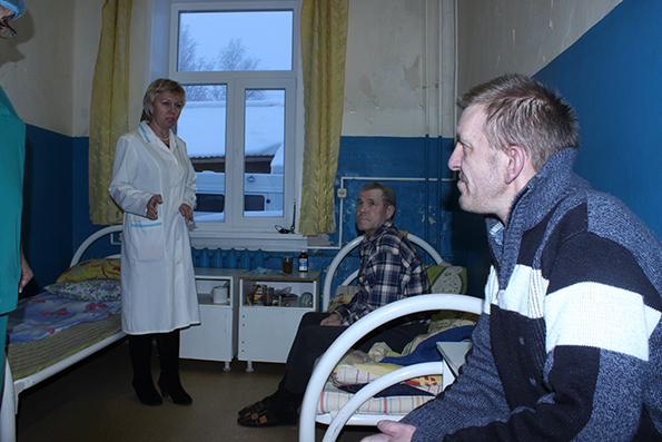 министр аранутова  навещала пациентов сторожевской больницы