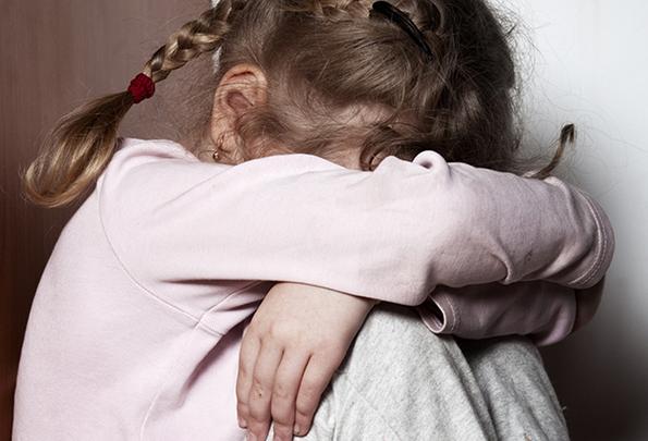 Ребенок бедняков едва не погиб от истощения.