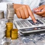Чиновники не спешат платить по счетам
