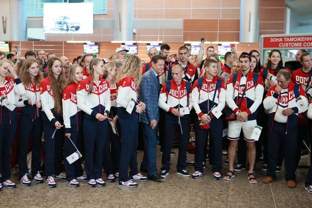 Сборная перед отлетом в РИО, справа от руководителя Олимпийского комитета  А.Жукова уроженец Максаковки боксер  Никитин