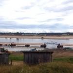 Жители Кослана остались без моста  и форсируют Мезень вброд