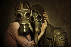 Couples_in_love_Gas_mask_440906