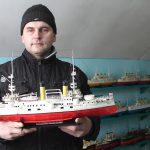 Военные корабли сражаются на заливных лугах