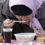 Россияне живут «по минимуму»  и работают «за еду»