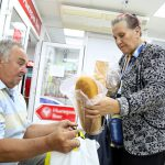 В Сыктывкаре два завода  бесплатно раздавали продукты