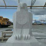 Мраморную скульптуру птицы, возможно,  установят на подходе к главной площади столицы
