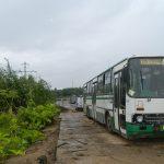 Автобусы перекрыли дорогу к АЗС