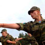 Все больше женщин стремятся попасть  на службу в российскую армию