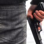 Ученик пришел на занятия с пистолетом